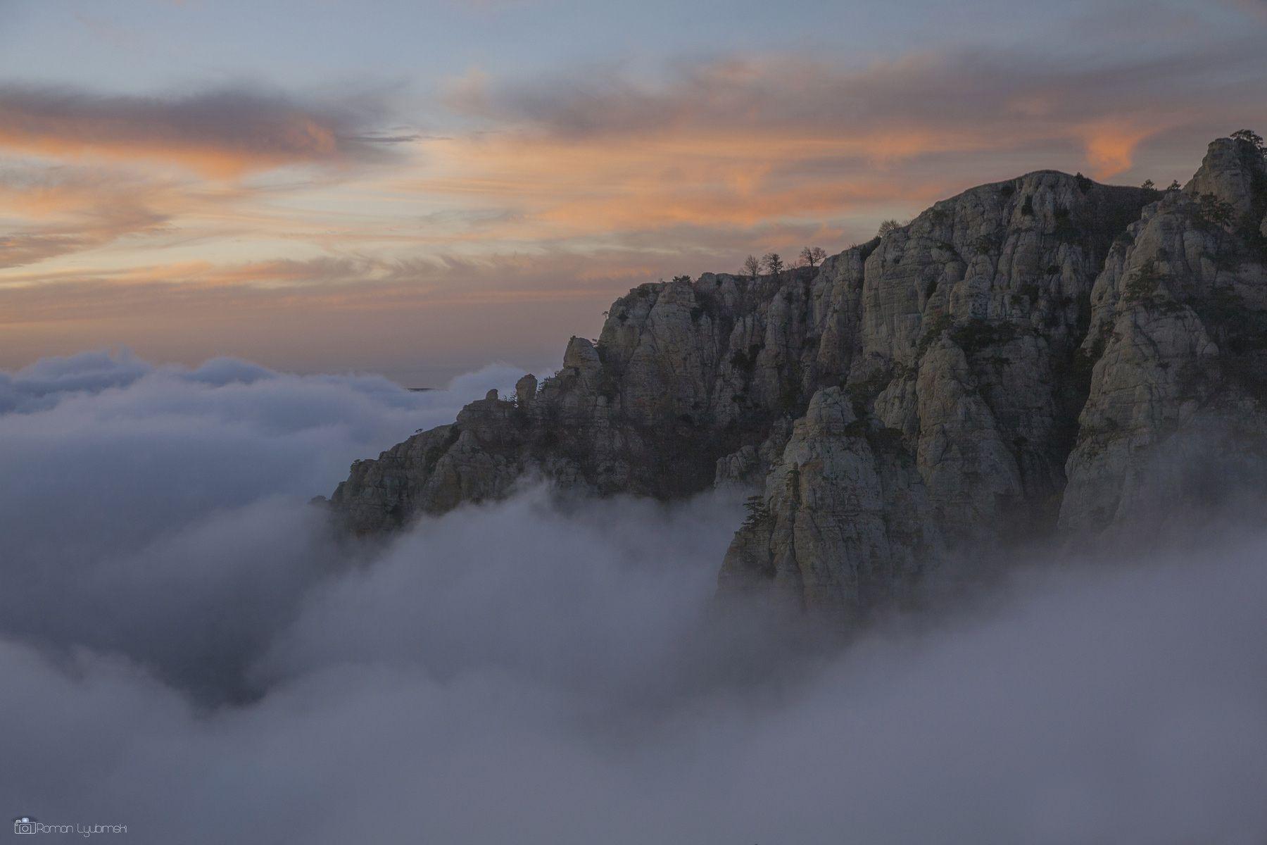 Облачный закат на Демерджи